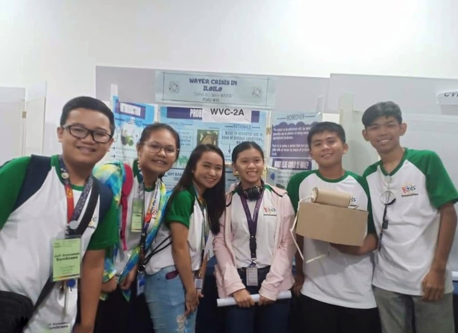A group of scholars from PSHS-WVC campus and a group of scholars from another campus shared each others' innovations.